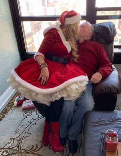 Mrs. Claus sexually harrassing Don