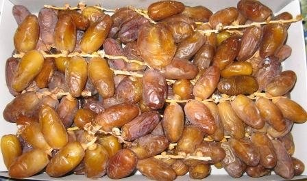 Tunisian Dates, Switzerland/Swiss supermarkets, photo courtesty of //www.21food.com/products/tunisian-dates-358232.html (CC)