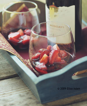 Strawberries with red wine