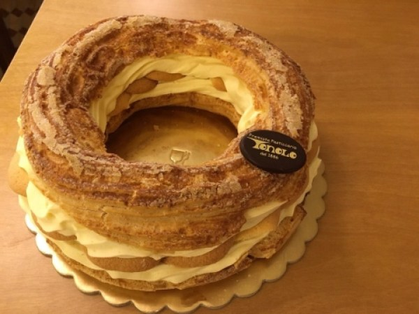 Paris-Brest French pastry at Tonolo in Venice, Italy