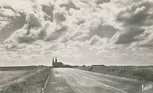 arriving in chartres from the N10 in 1950