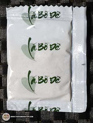 #2562: Binh Tay Mi Hai Cua Artificial Crab Flavored Instant Noodles - Vietnam - The Ramen Rater - Vietnamese