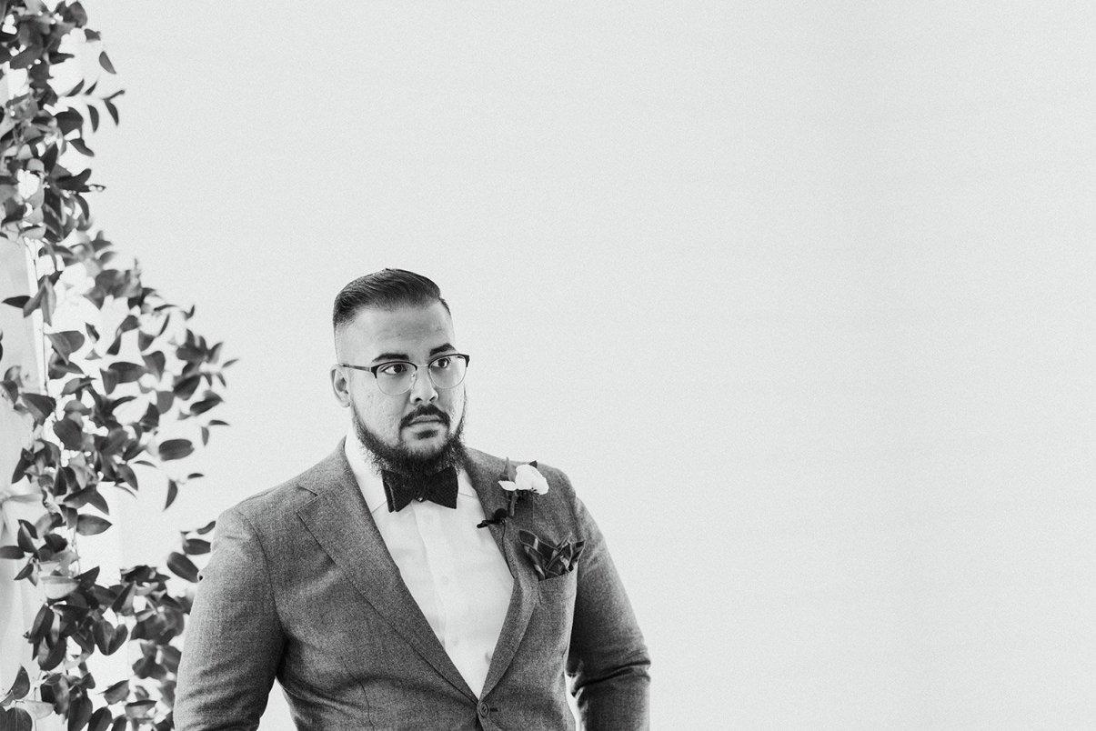 groom seeing bride come down aisle