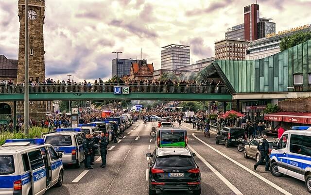 Attentat terroriste : Pourquoi l'angoisse nous concerne-t-elle désormais tous ?
