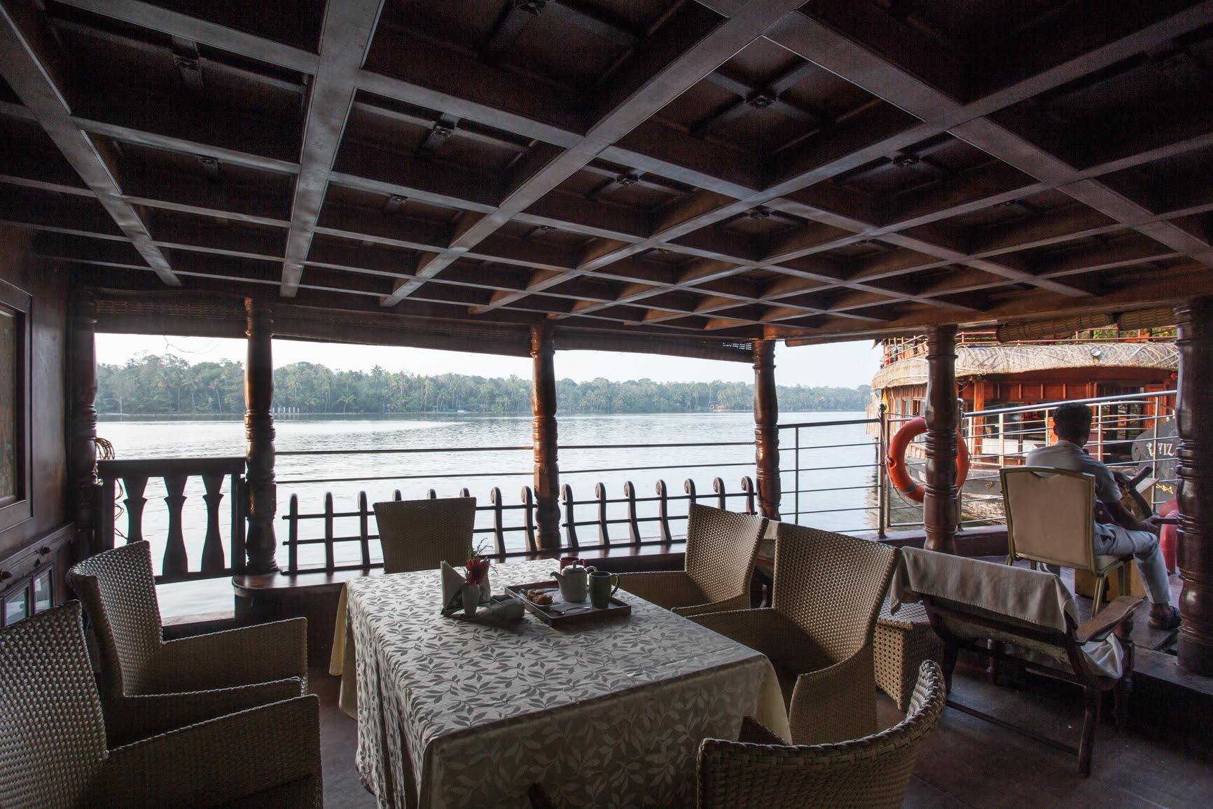 Ashtamudi Houseboat Stay