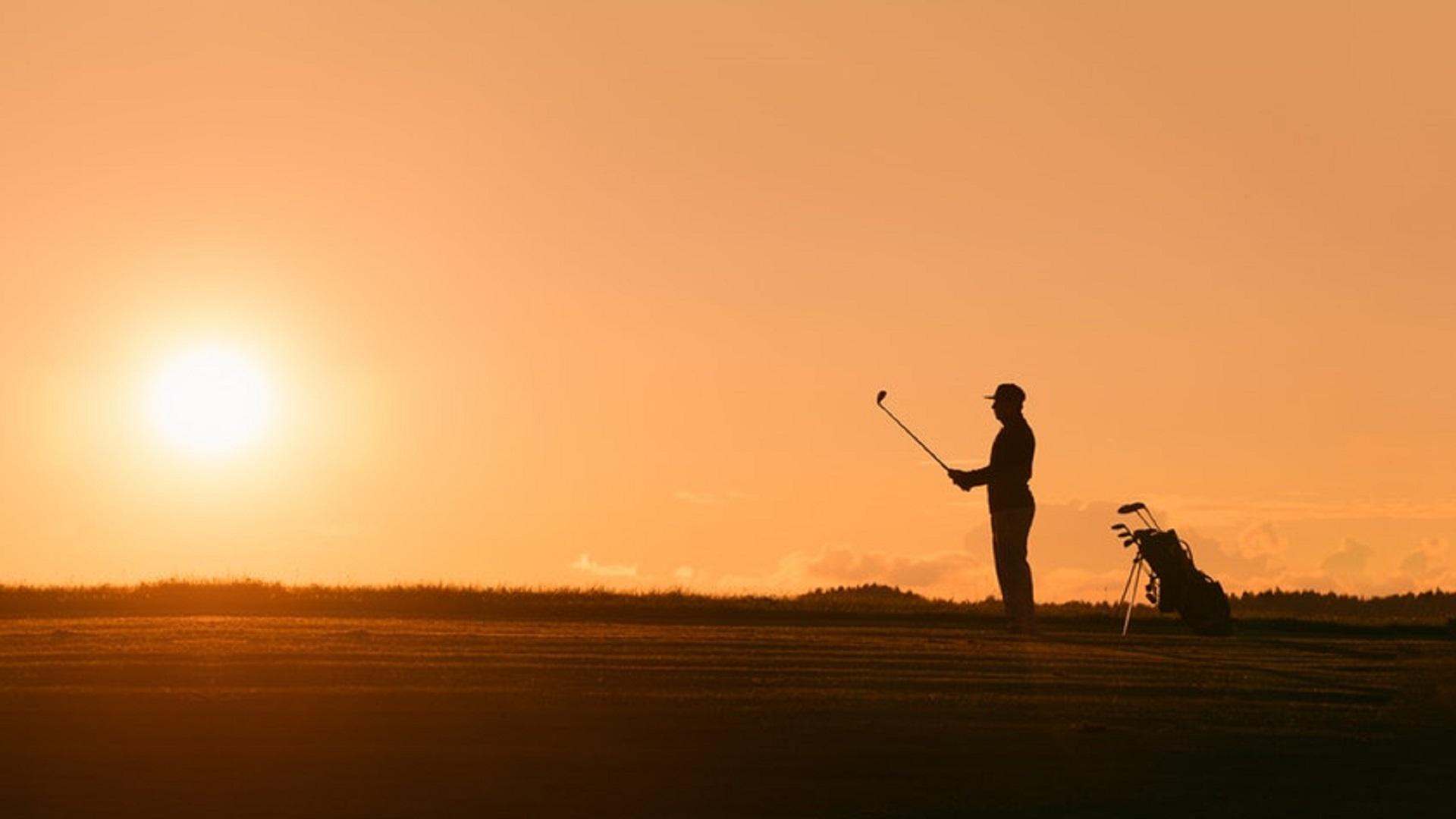 golf courses around vilamoura orange sunset
