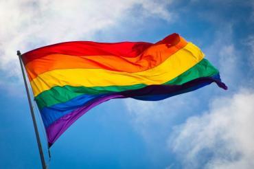 Rainbow_flag_breeze-665x443