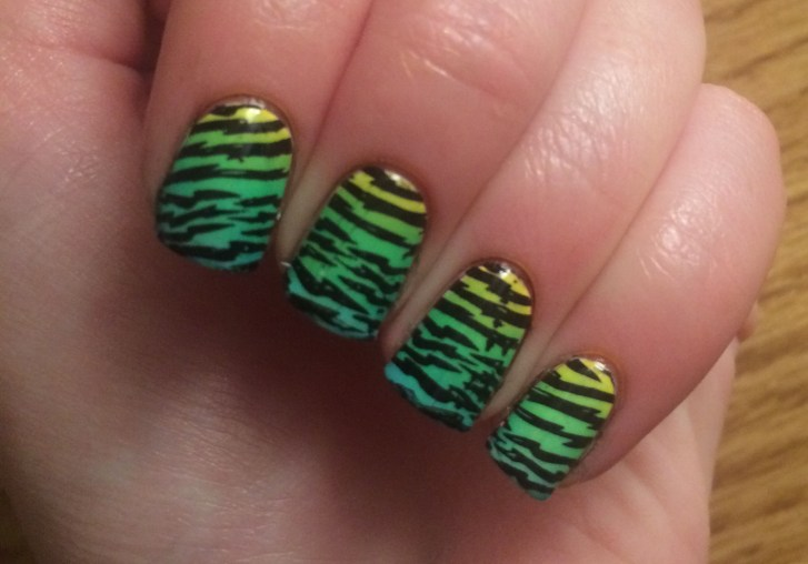 Green Tiger Stripe #NOTD Closeup | The Rebel Planner