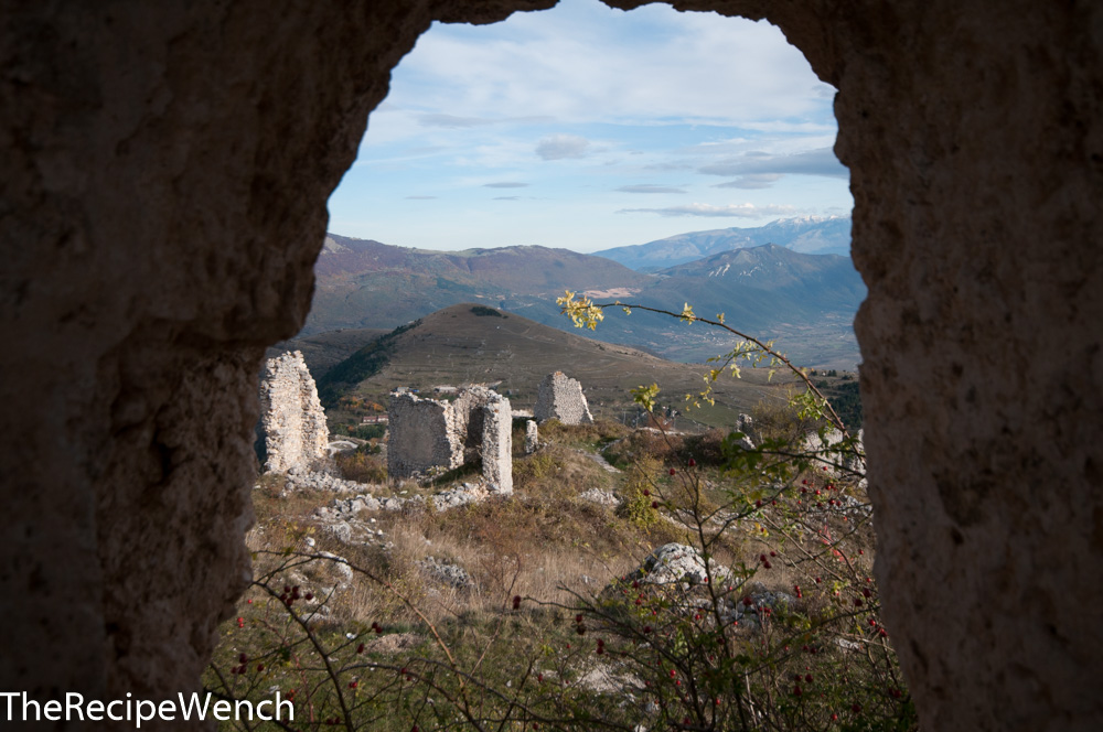 Rocca Calascio fortress window2