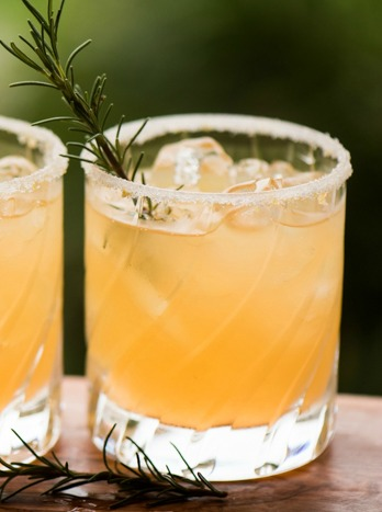 A Clementine Winter Cocktail