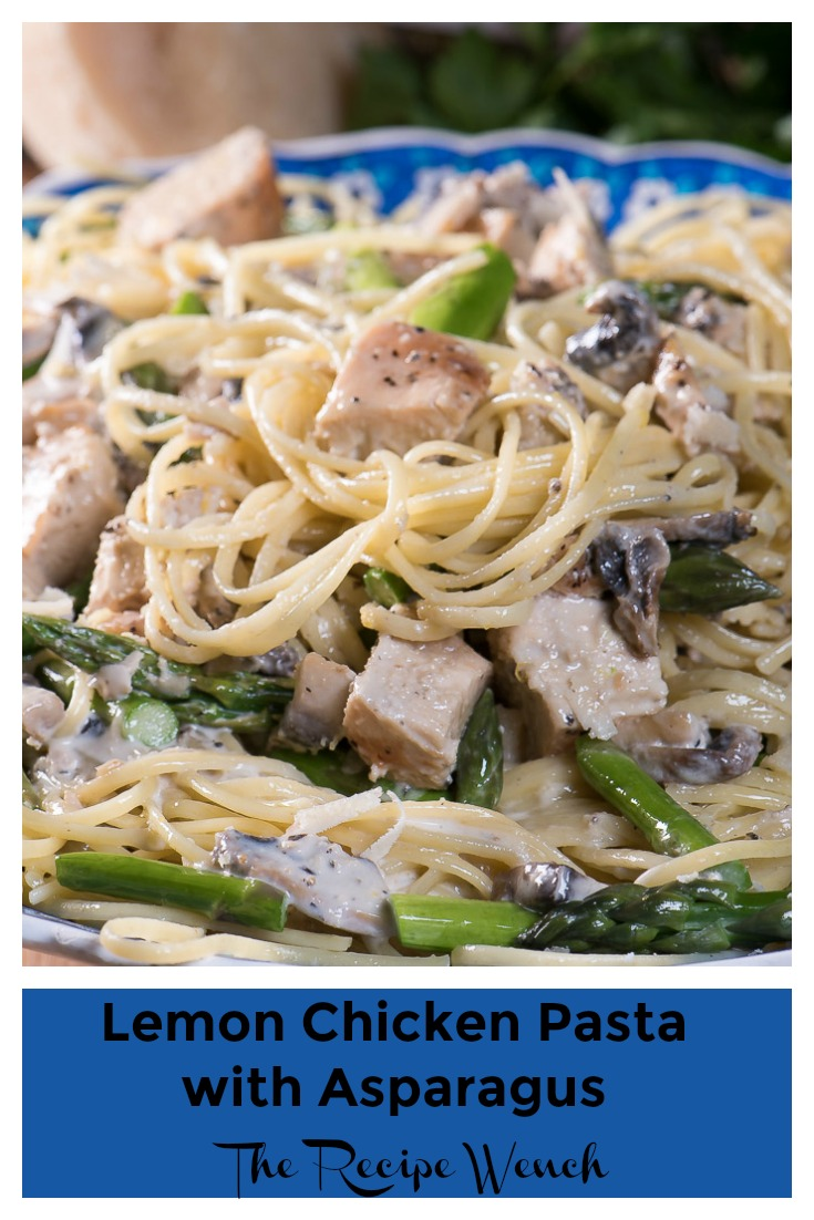 Lemon Chicken Pasta with asparagus -- easy, fresh and delicious. A perfect dinner for a beautiful spring evening! | The Recipe Wench