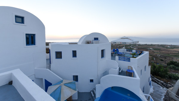 Greece and Santorini - Georgi's Apartments near Oia