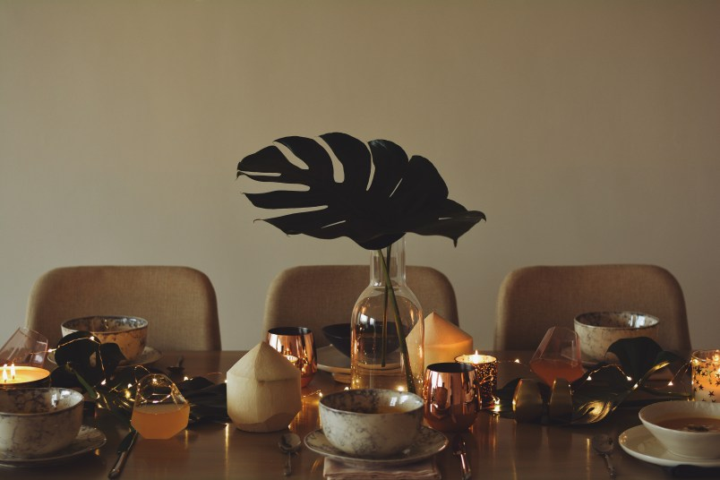 Urban Outfitters Holiday Party Tropical Theme Tips For Decorating Setting Table Holidays