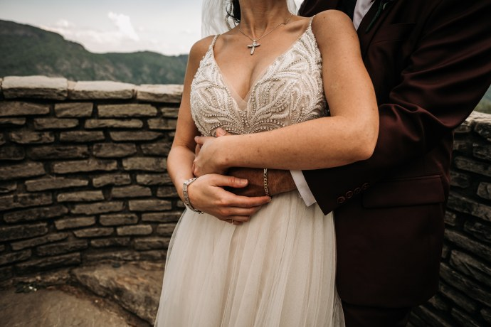 A bride and groom at Wiseman's View