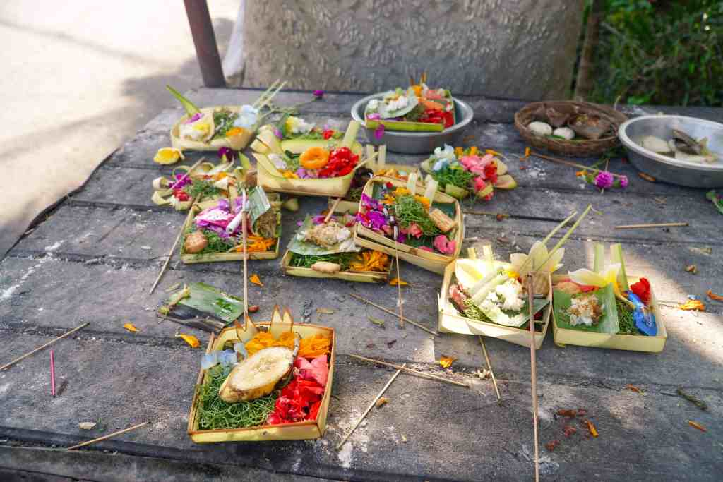 Religious Offerings | Amazing Photos to Inspire You to Visit Bali | The Republic of Rose