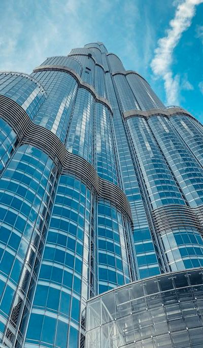 Bruj Khalifa Dubai from below