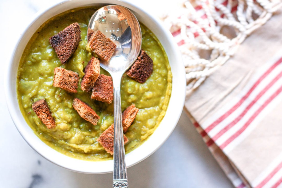 slow cooker vegan split pea soup