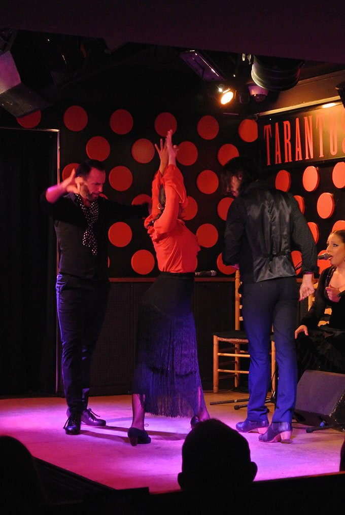Flamenco show: Fun things to do in Barcelona for a girlfriends getaway.