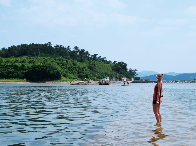 In collaboration with Ryan and Stephanie of Hedgers Abroad, check out this insider look at the beautiful Yeosu.