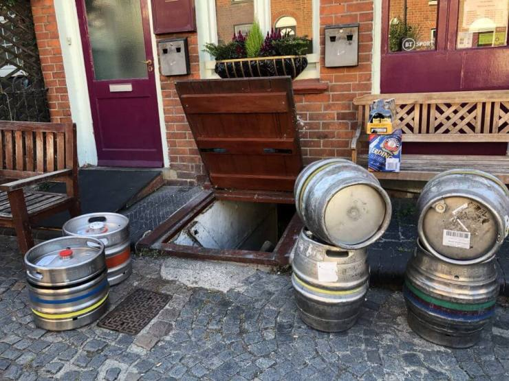 Cask ales and kegs being delivered to The Retreat pub in Reading