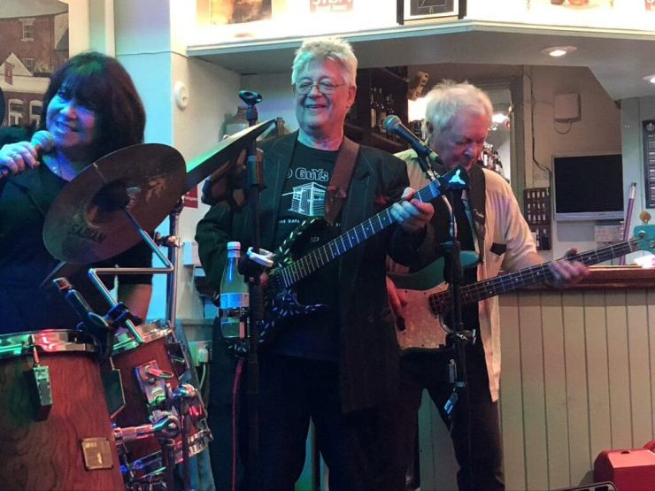 "Martine Howard, John ""Dusty"" Dunsterville and Les Calvert playing live at The Retreat pub in Reading."
