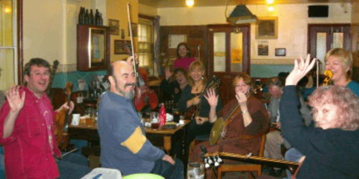 Folk music at The Retreat pub in Reading
