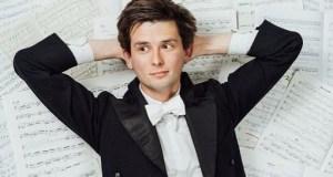 Kieran Hodgson in Maestro
