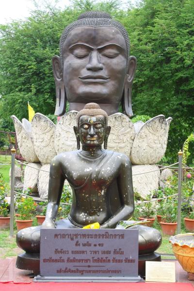 Buddha statue at Wat Thammikarat in Ayutthaya, Thailand