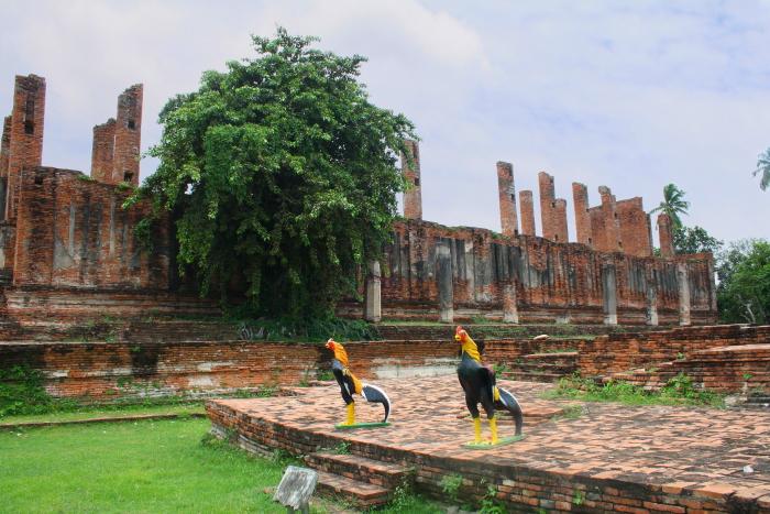 Viharn at at Wat Thammikarat in Ayutthaya, Thailand