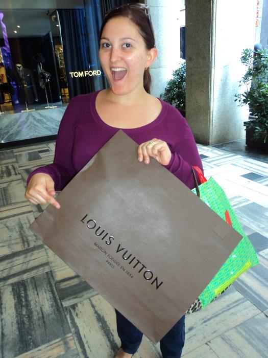 Buying Louis Vuitton bag in Milan, Italy