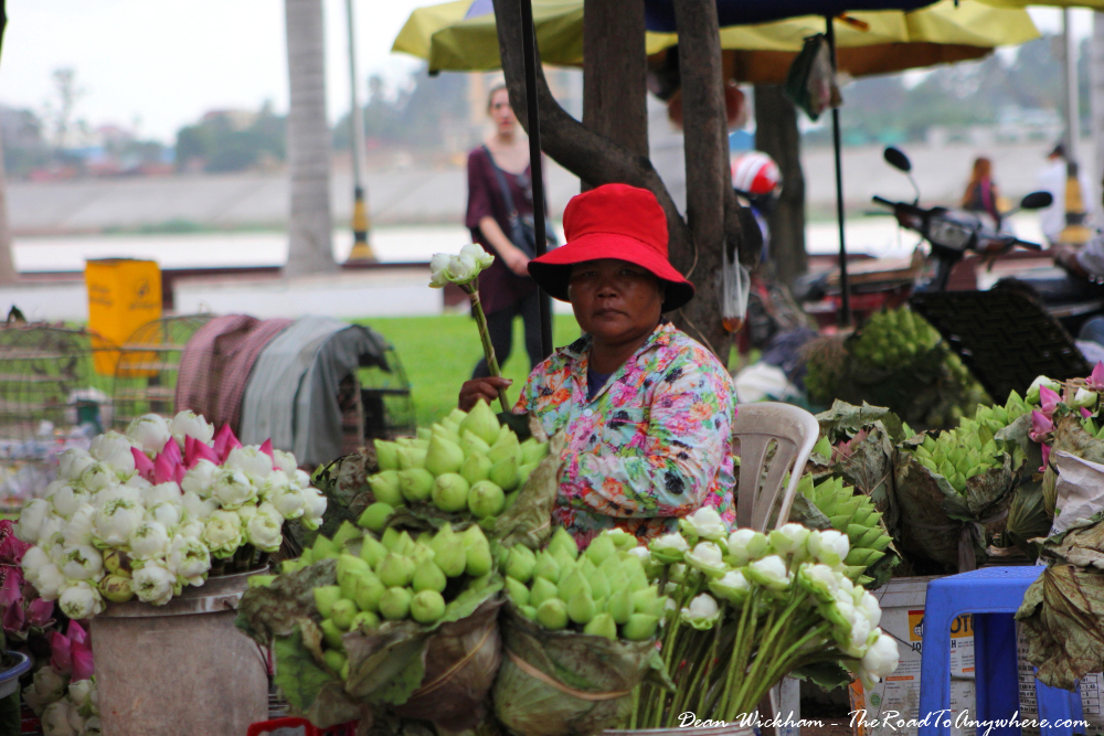 Lady selling flowers in Phnom Penh