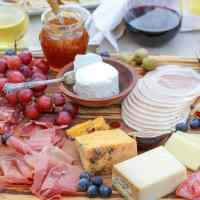 How to Make a Legit Charcuterie Board