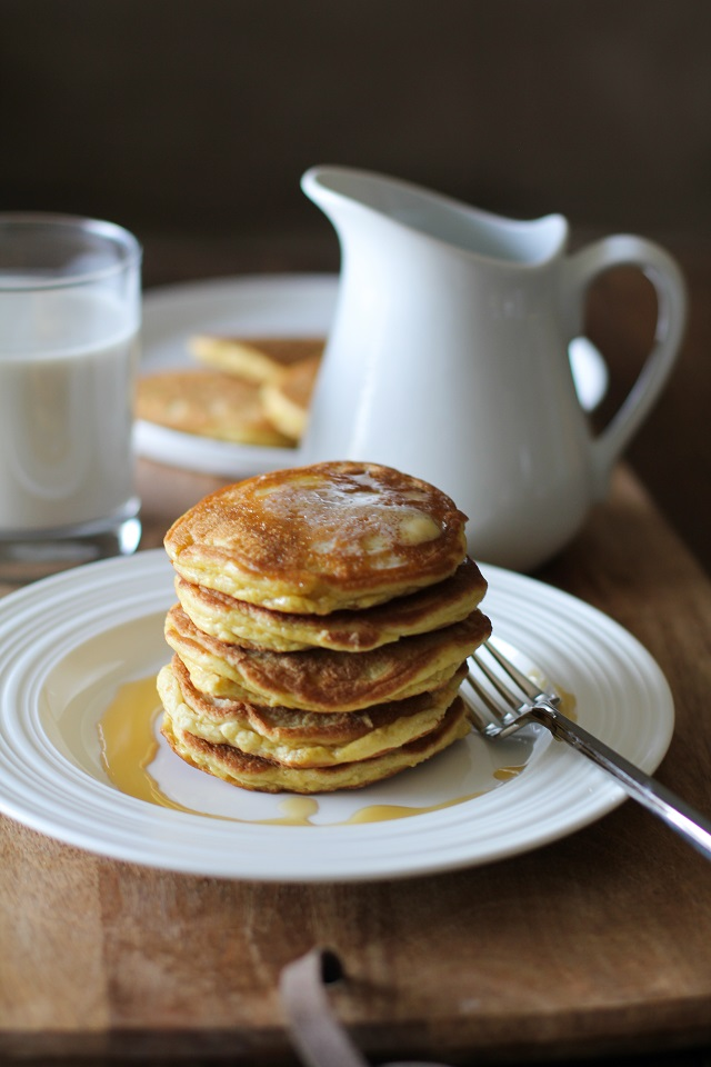 https://i1.wp.com/www.theroastedroot.net/wp-content/uploads/2017/01/basic_fluffy_coconut_flour_pancakes_paleo.jpg