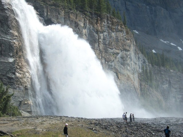 Emperor Falls is one of the many beautiful waterfalls along the Berg Lake trail
