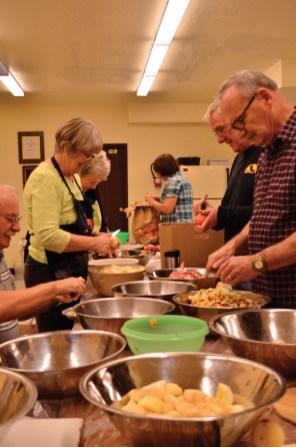 Seniors Housing Society pie making bee (4)