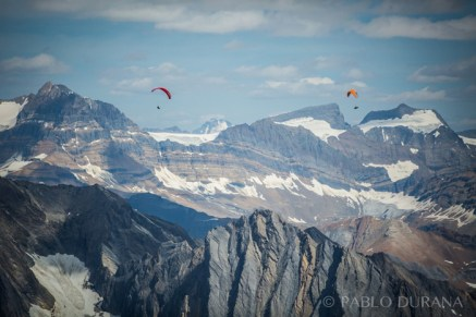Gavin McClurg & Will Gadd. Photo Pablo Durana paragliding