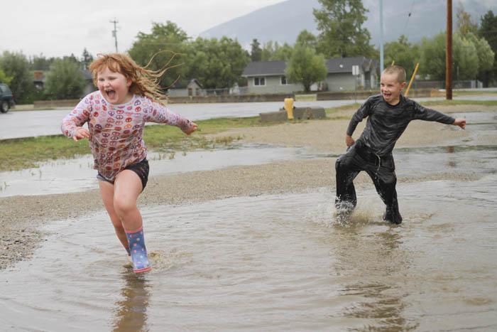 puddle kids rain Hunter and Gretchen