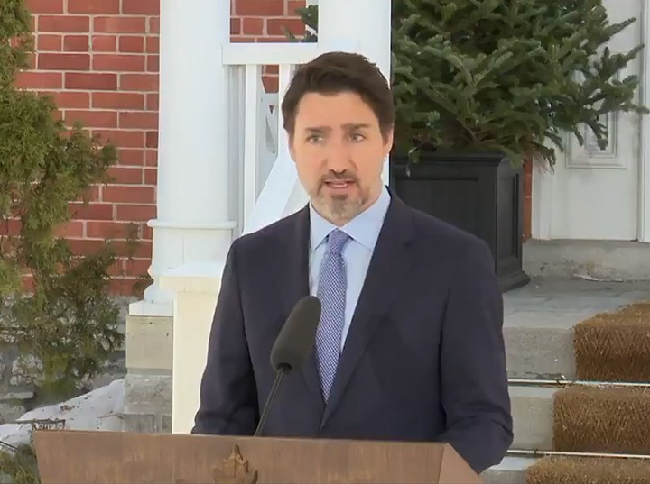 Trudeau calls Canadians home and restricts border traffic