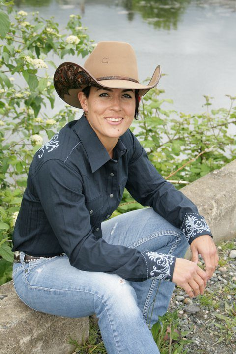 Get To Know Prca Saddle Bronc Rider Kaila Mussell A Little
