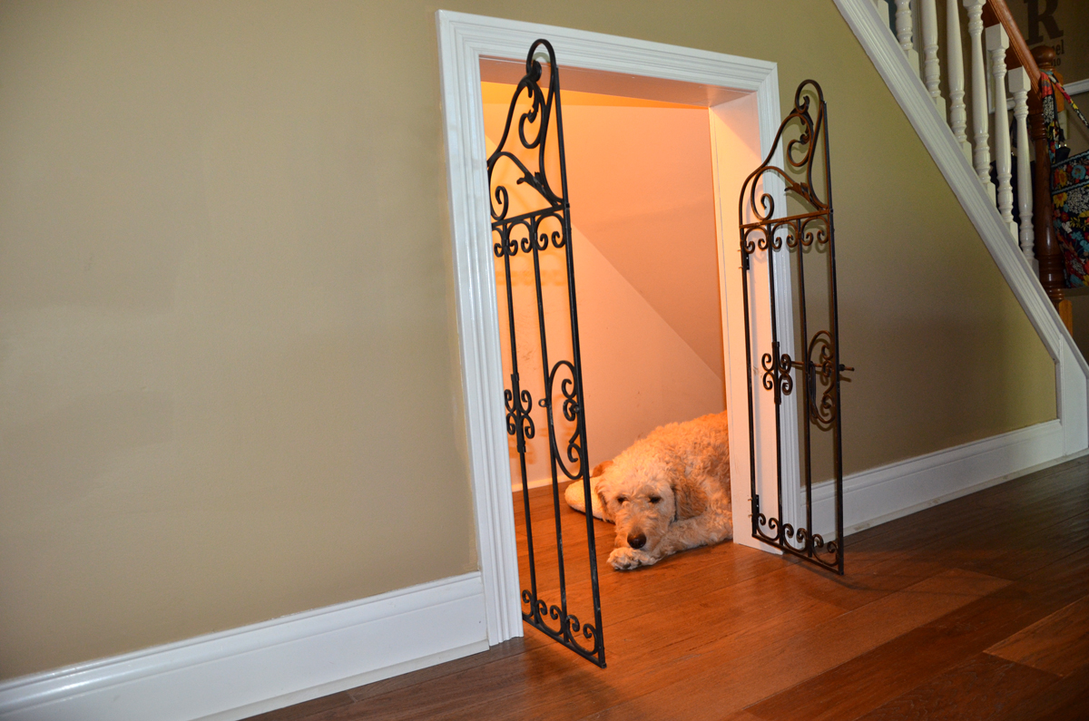 Indoor dog houses - Under Staircase Dog Cage