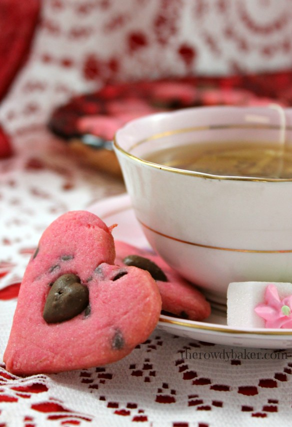 Make a dainty hot pink cookie to go with a cup of tea.