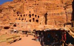 Tips for exploring Petra: Vendors
