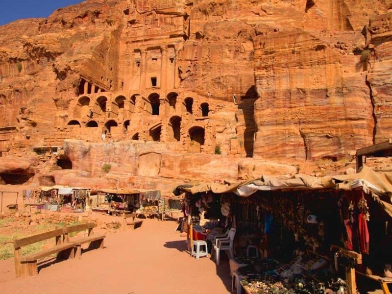 Tips for exploring Petra: Vendors