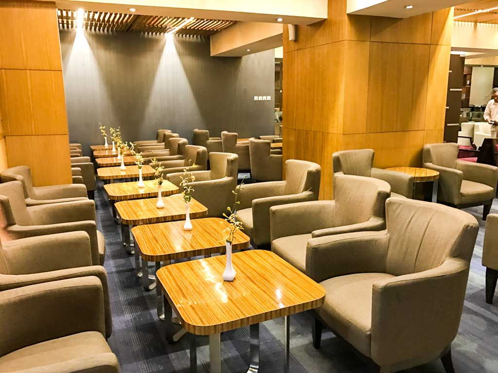 premier lounge jakarta - seating