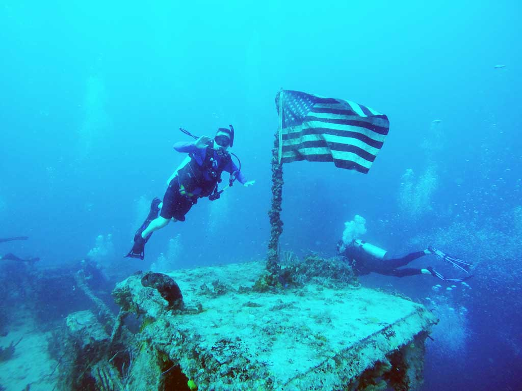 Diving in Key Largo - USS Spiegel Grove