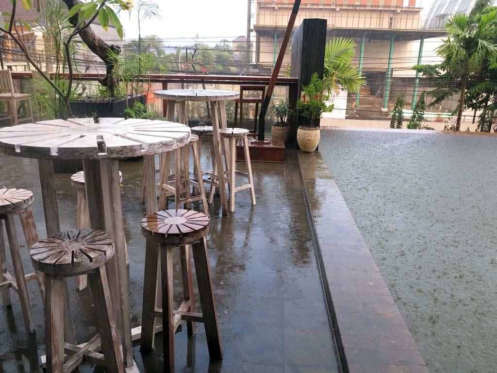 Edelweiss Boutique Hotel Kuta - swimming pool