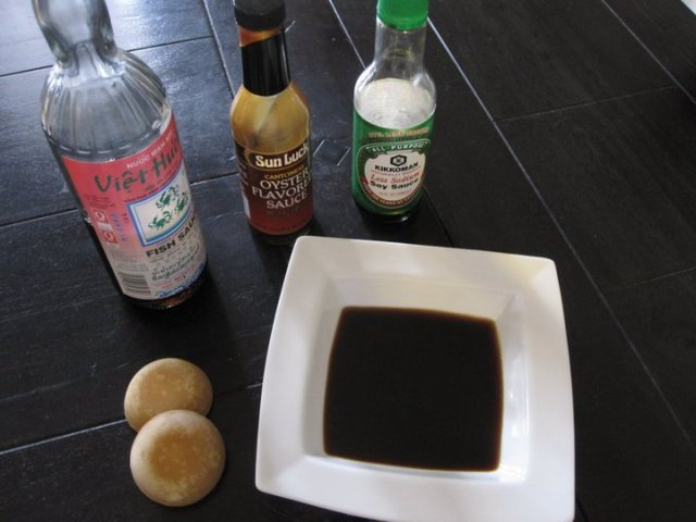 Cashew stir dry: Ingredients for the sauce