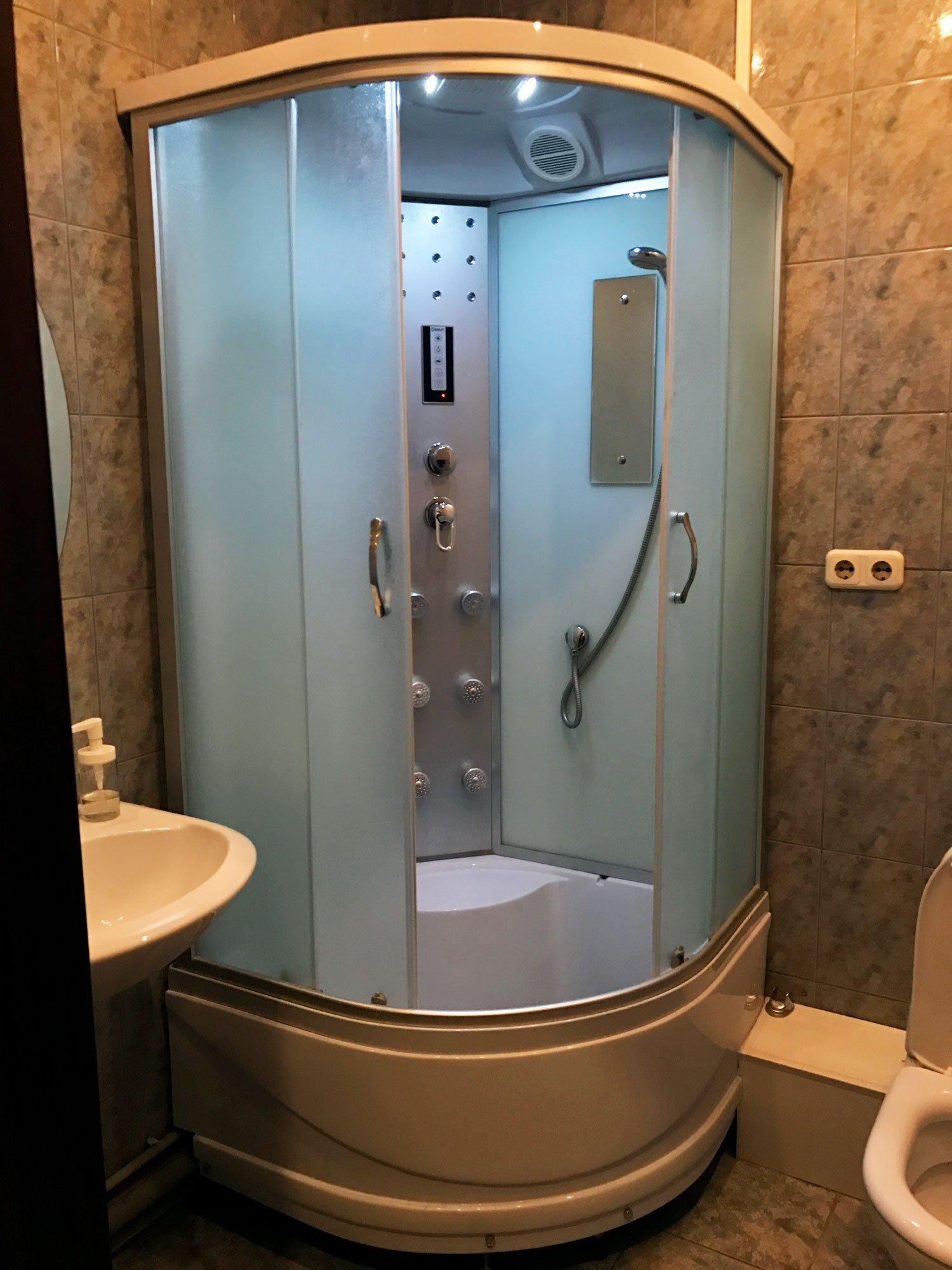 dreamy castle hostel minsk shower