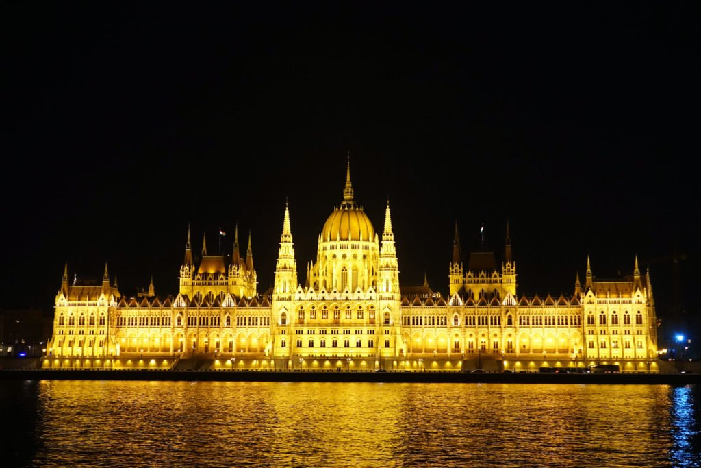 unusual things to do in Budapest parliament building