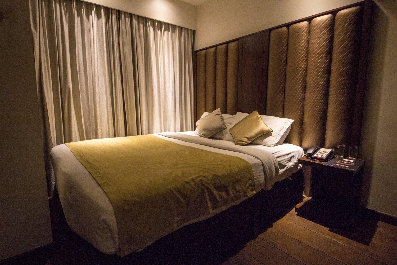 flute boutique hotel jaipur: comfortable king bed